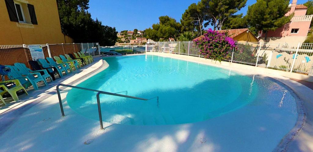 location de mobil-home en arrière-saison avec piscine