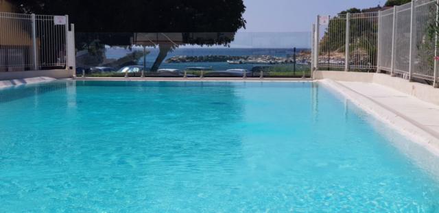 Camping piscine Méditerranée